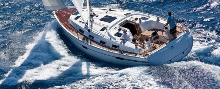 Navegar en Valencia con el Corso, un velero al alcance de todos